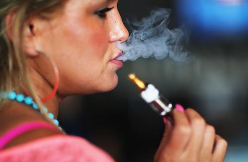 Dejar de fumar con un cigarrillo electrónico no engorda Generica-ecig