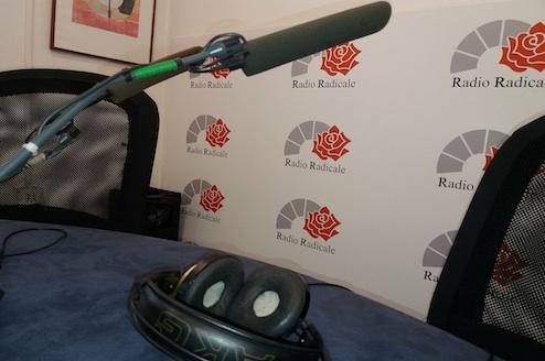 Radio radicale apre i microfoni alla sigaretta elettronica for Radio radicale in diretta