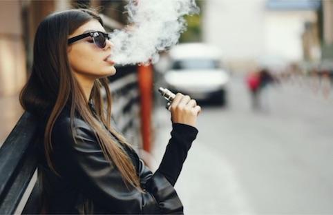 La sigaretta elettronica entra nel piano europeo contro il cancro